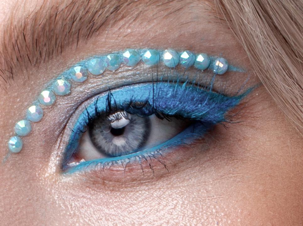 Winter-Radiant-Makeup-Looks-2-1