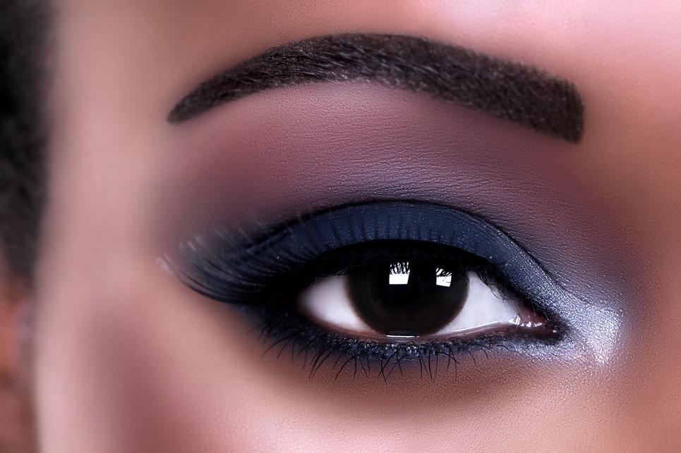 Game-Changer–the-Eyelash-Curler-almond-eye