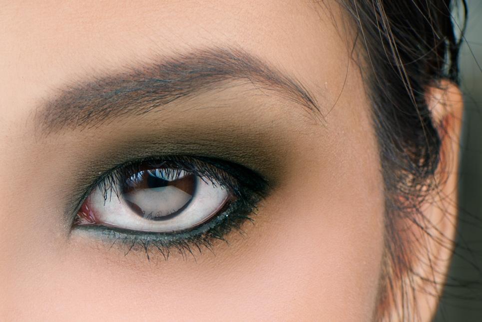 Game-Changer–the-Eyelash-Curler-monolid-eye-zoom