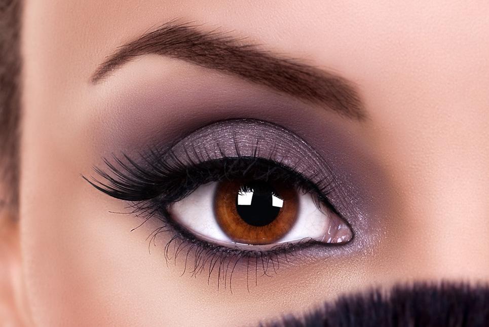 Game-Changer–the-Eyelash-Curler-round-eye-zoom