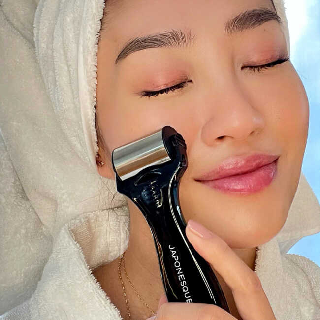 Complexion Perfection Ice Roller
