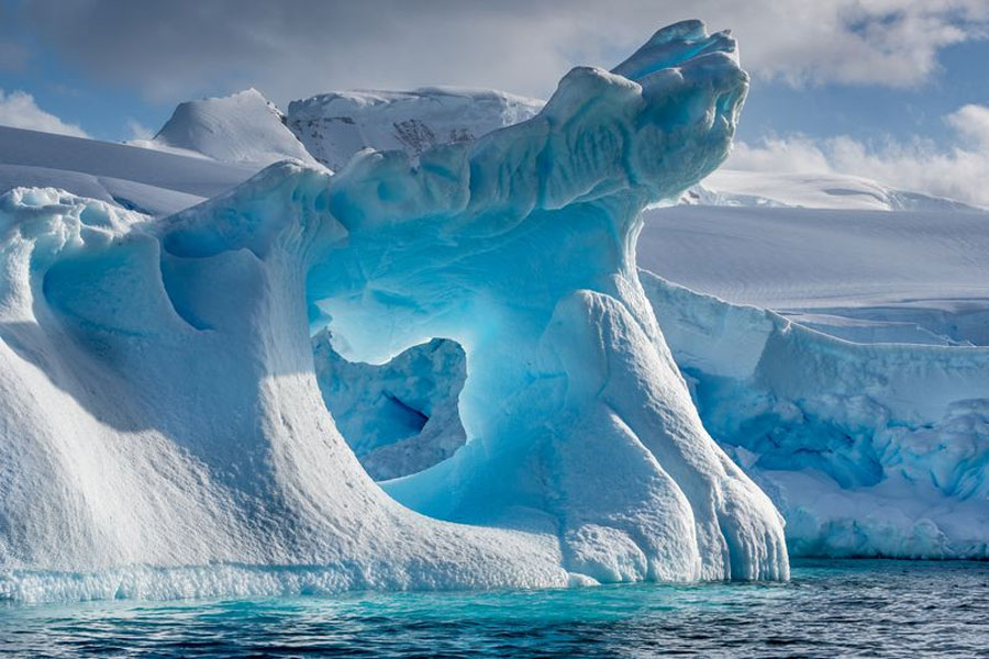 La Antártida, que alberga el 90% del hielo de la tierra, vuelve a enviar un  mensaje alarmante a la humanidad - La Prensa