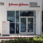 Estados Unidos invierte 1,000 millones de dólares en vacuna de Johnson & Johnson contra el Covid-19