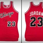 ¡Qué locura! El exorbitante precio por la camisa de Michael Jordan en su temporada de novato del año en la NBA