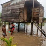 Bilwi se inunda con aguacero de este viernes y sufre con un tornado