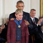 Renuncia la presentadora de televisión Ellen DeGeneres, acusada de explotación laboral