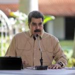 Maduro reconoce que ingresos petroleros de Venezuela cayeron 99%
