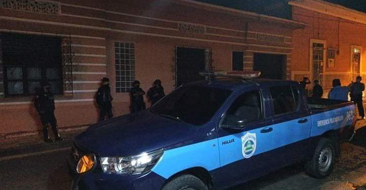 Asedio a la casa del exreo político de Masaya, Santiago Fajardo. LA PRENSA / REDES SOCIALES