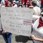 Costarricenses bloquean puertos y carreteras en rechazo a acuerdo del gobierno con el FMI