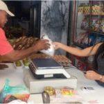 El salario mínimo mensual de Venezuela se desploma: solo 93 centavos de dólares