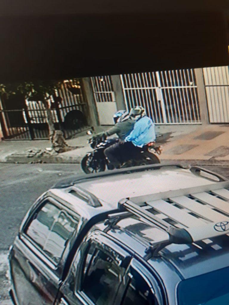 Los sicarios quedaron grabados en una cámara de seguridad. LAPRENSA/Cortesía