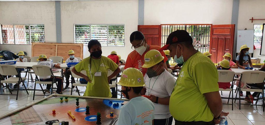 Waslala celebra su olimpiada regional de robótica