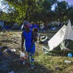 Campamento de migrantes haitianos se diluye en el norte de México