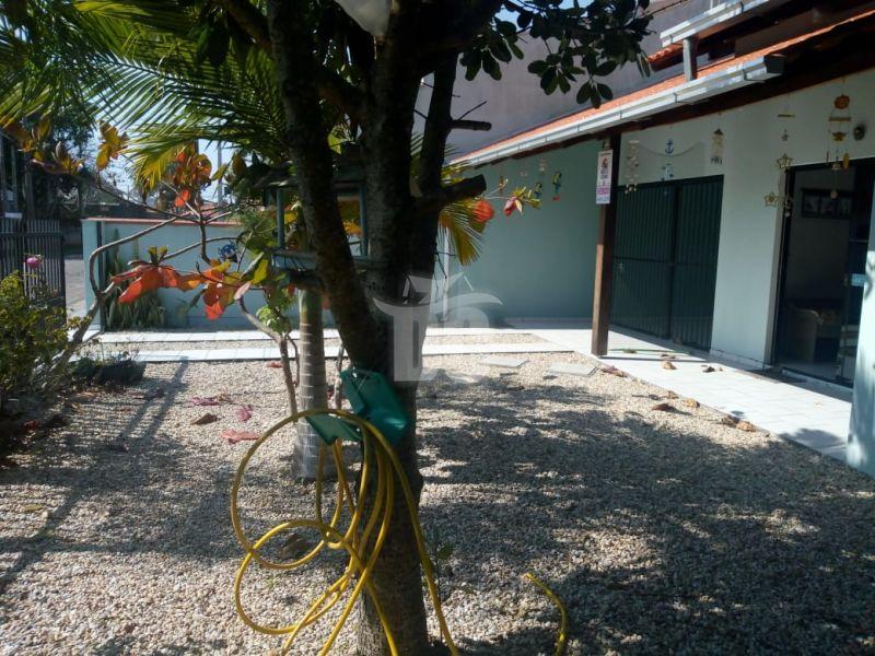 Casa com 2 Dormitórios à venda, 320 m² por R$ 425.000,00