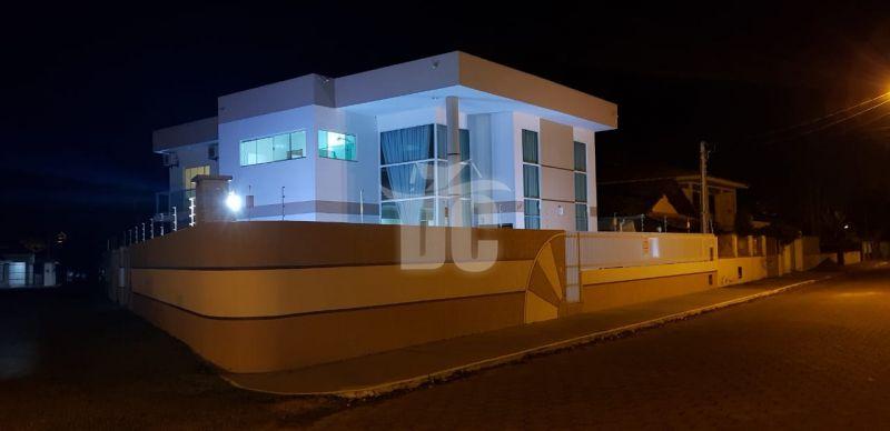 Casa à venda  no Centro - Penha, SC. Imóveis