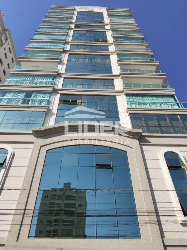 Apartamento de Alto Padrão com 03 Suites em Itapema