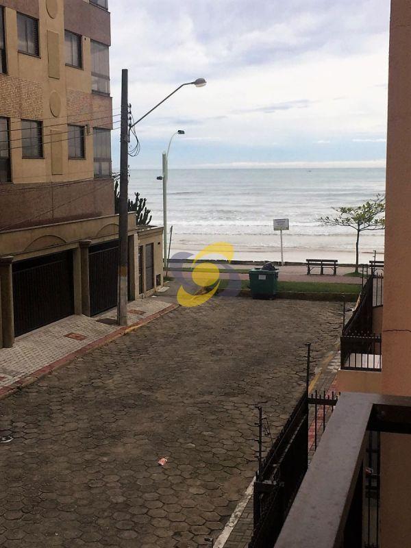 Aluguel de temporada: Apartamento 2 quartos apenas 30 metros da praia!