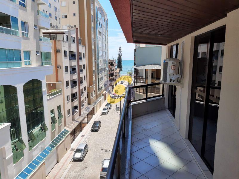 Apartamento Quadra com vista mar bem localizado em Meia Praia! Com 3 Dormitórios