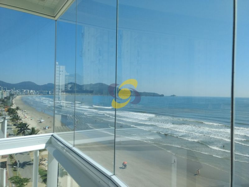 Apartamento 3 suítes à venda: vista espetacular para toda orla de Meia Praia e Itapema