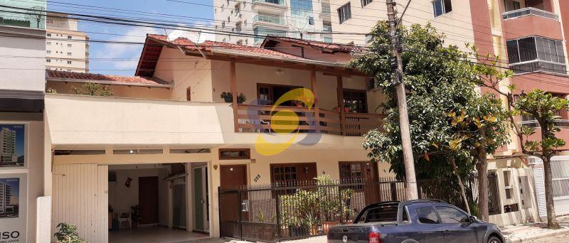 Excelente casa 4 Dormitórios 2 vaga de garagem para temporada Meia Praia