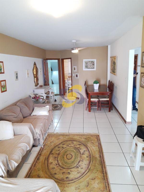 Apartamento 3 dormitórios Quadra Mar Frente Mar para Temporada em Meia Praia - Itapema
