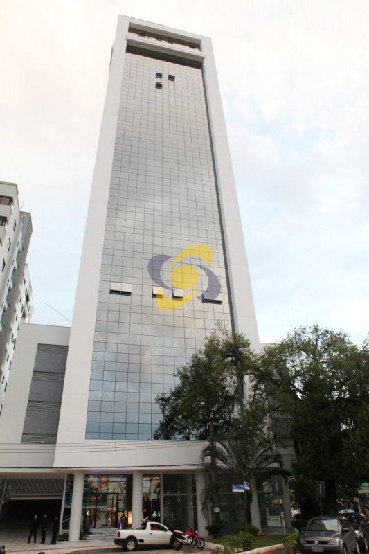 Excelente Sala comercial à venda em Balneário Camboriú Bem Localizada em Avenida Principal