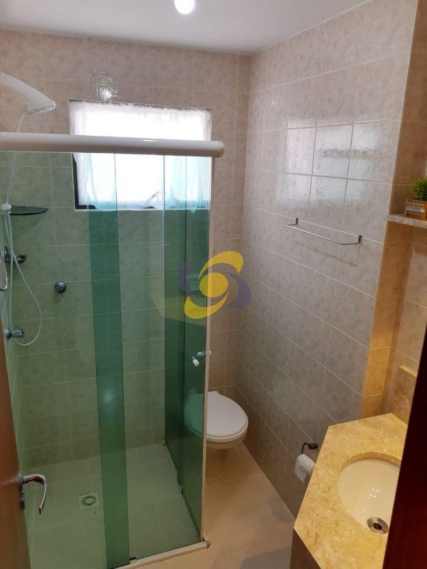 Ótimo apartamento com 3 dormitórios sendo 1 suite  em Meia Praia