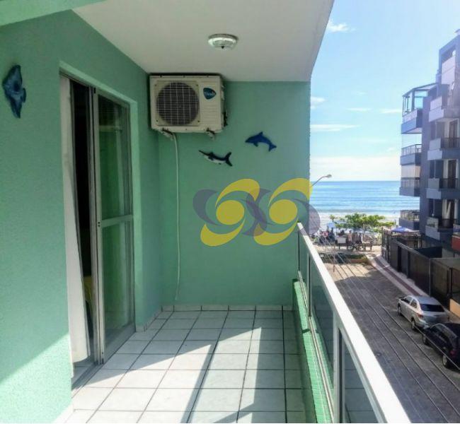 Ótimo Apto com 02 Dormitórios à 30m da praia com vista para do Mar!