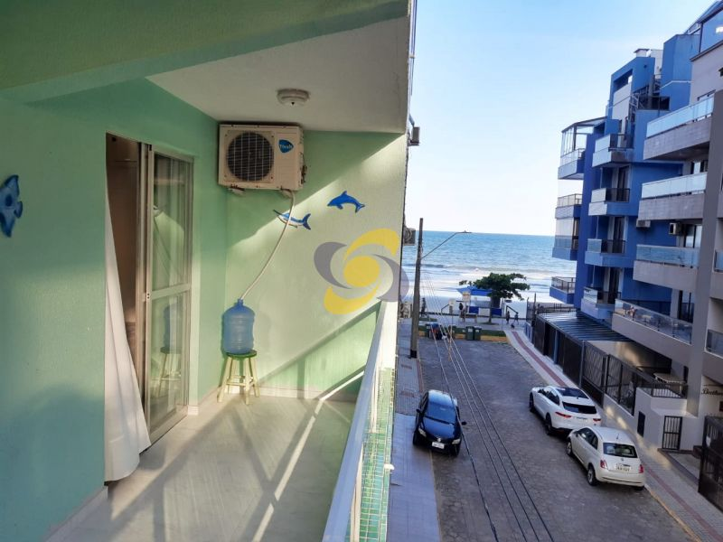 Ótimo Apartamento com 02 Dormitórios sendo 01 suíte à 30m da praia com vista para do Mar!  Em Meia Praia para locação de temporada!