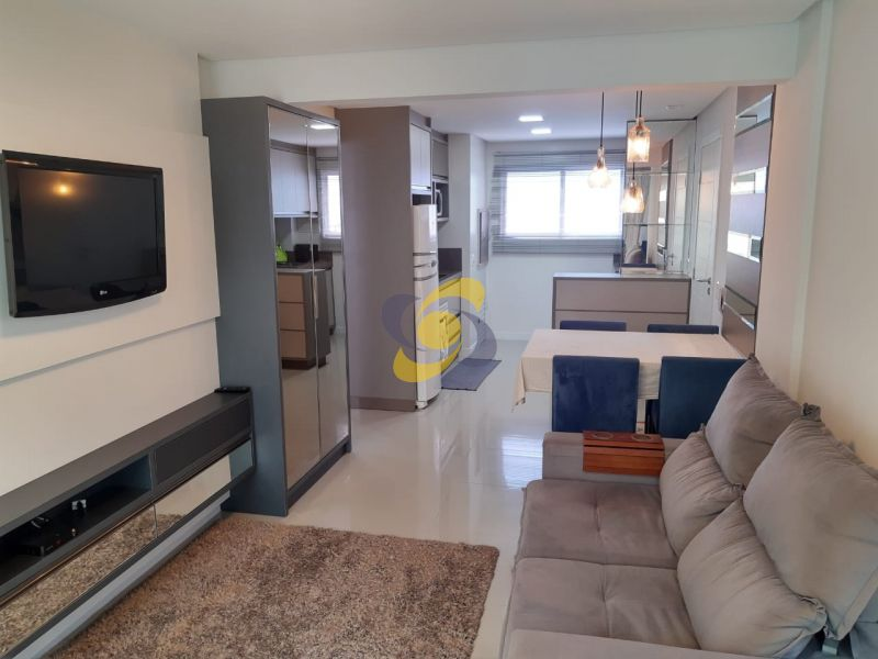 Excelente apartamento bem mobiliado Quadra mar em Meia Praia com 2 Dormitórios!