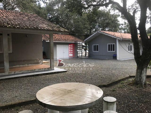 VENDE-SE  CHÁCARA BR 101 PIÇARRAS/SC.
