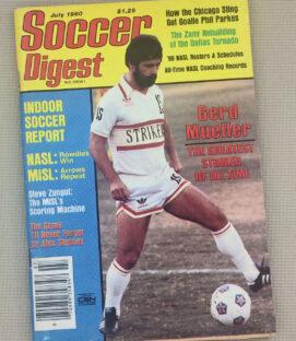 Soccer Digest July 1980