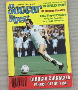 Soccer Digest October 1982