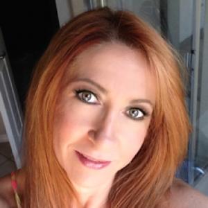 A iGel Beauty Customer