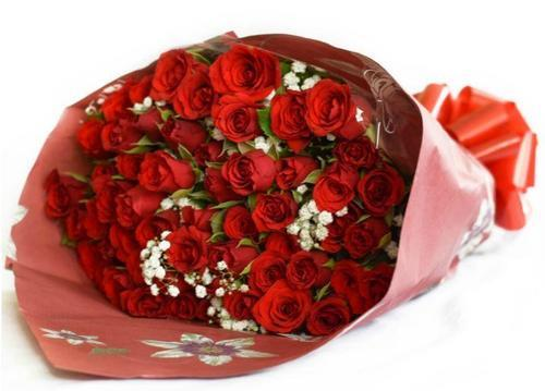 Exclusive Red Rose Arrangement