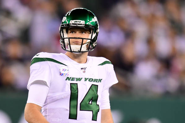 Jets trade QB Sam Darnold to Panthers for 3 draft picks