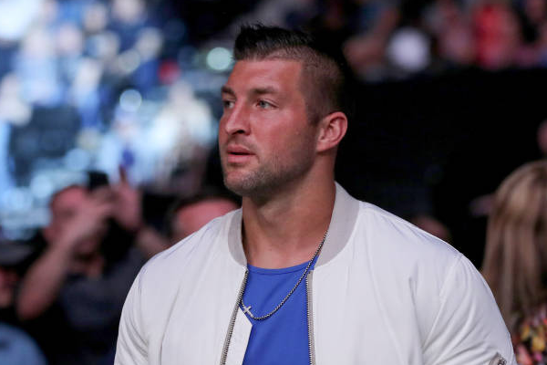 Jaguars sign Tebow to 1-year deal