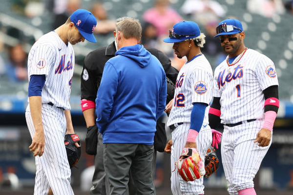Mets ace deGrom exits game early with side tightness