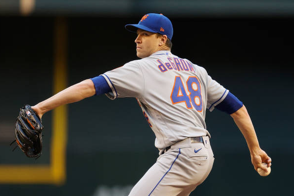 Mets' deGrom pulled early with right flexor tendinitis