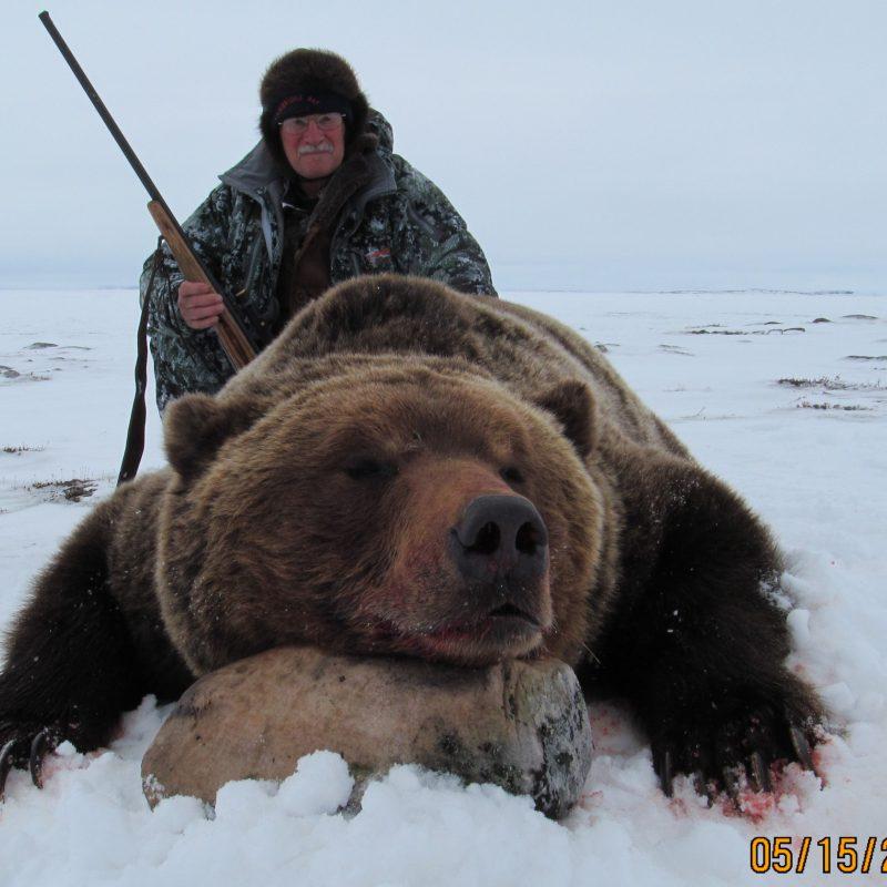 Bear fr front w hunter 0075 CR