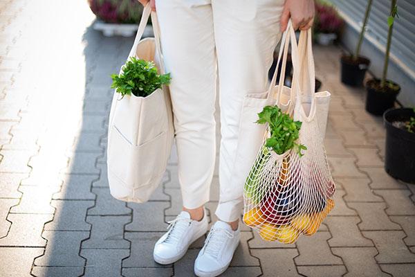 Holding mesh shopping bag