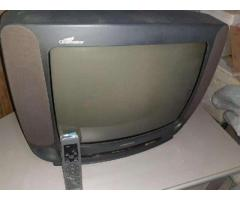 VENDO TV COLOR CON MESITA 1500 EN GENERAL ROCA