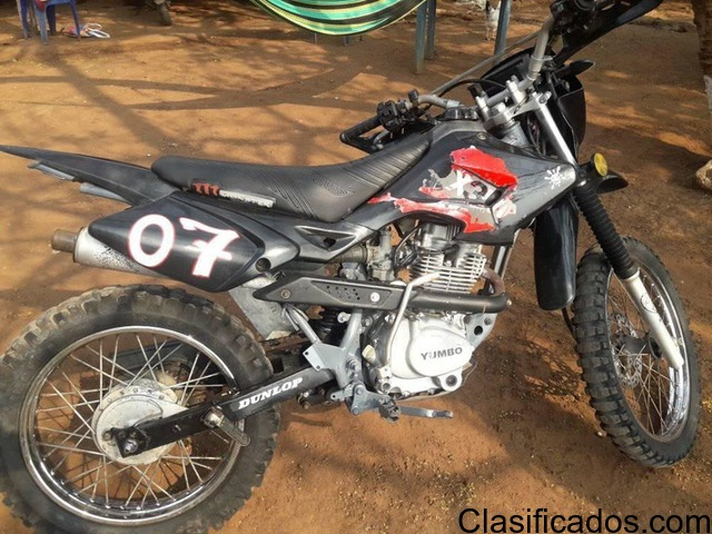 Vendo moto yumbo 125 estilo cross