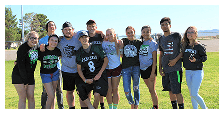 Juniors posing together outside during pep rally