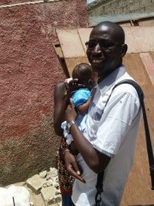 Le boss et un bébé/ The boss and a baby