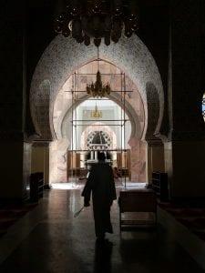 Nous ne pouvions pas entrer cette salle parce que nous ne sommes pas musulmans/We could not enter this room because we are not Muslims