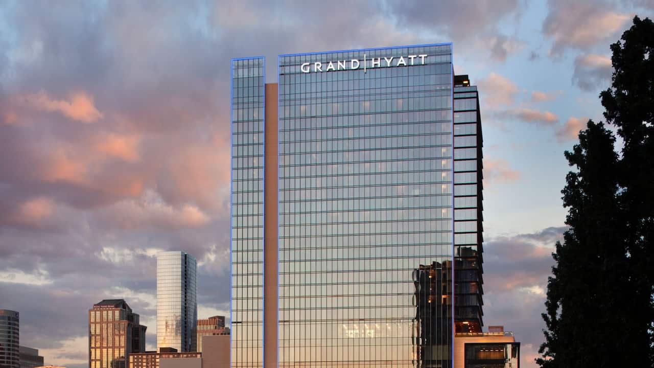 Nashville Grand Hyatt at sunset.