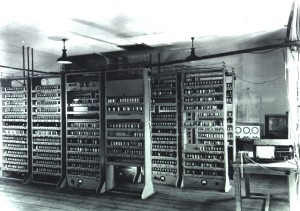 Electronic Delay Storage Automatic Calculator (1949)