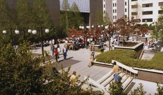 Georgia_State_University_Plaza_1985
