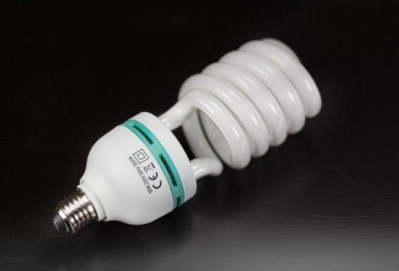 CFLs, Fluorescent light bulbs and tubes